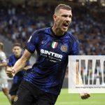 Fußball, Inter Mailand – FC Genua  FC Internazionale v Genoa CFC – Serie A Edin Dzeko of FC Internazionale celebrates af