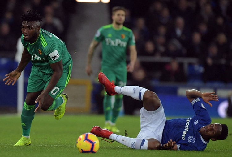 Yerry Mina Everton 2-2 Watford Premier League 2018-19 (2)