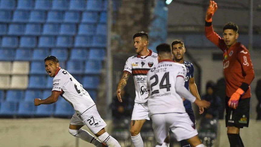 Se enfrentan Colón y Atlético Tucumán