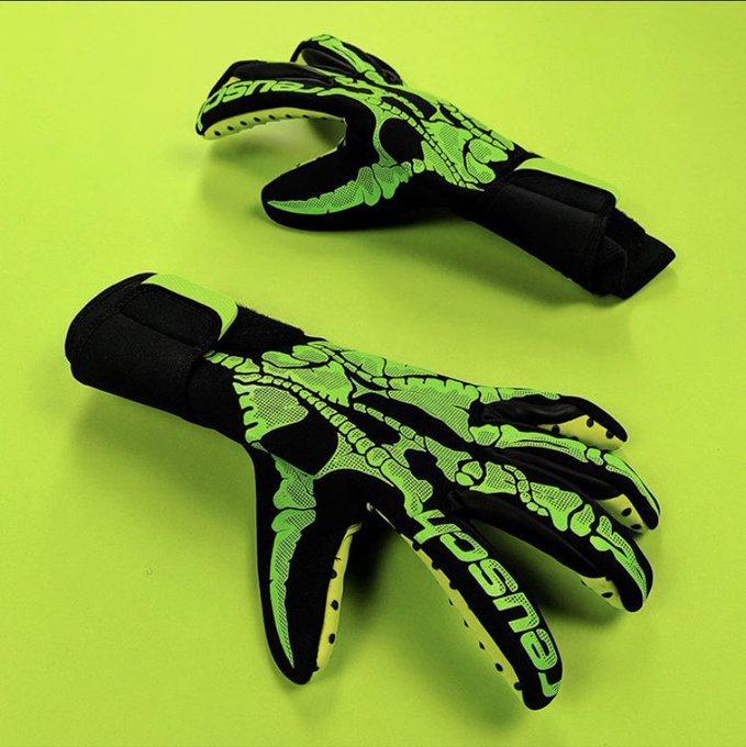 Reusch y sus nuevos guantes temáticos por el Halloween 3