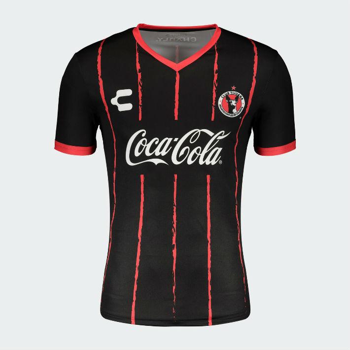 Camisetas especiales con el logo de Coca-Cola para tres clubes mexicanos 3