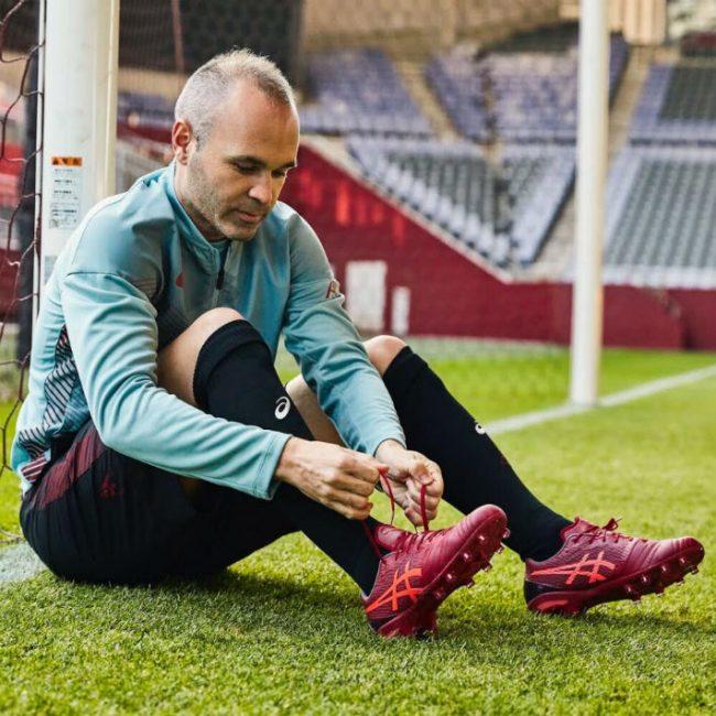 Nominación Combatiente Eléctrico  Con cuáles guayos juega Andrés Iniesta? – Futbolete