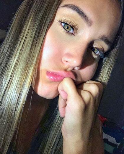 Lizzy Cardona (13)