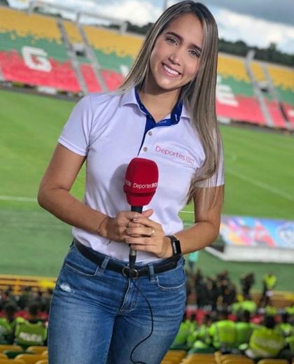 Lizzy Cardona (15)