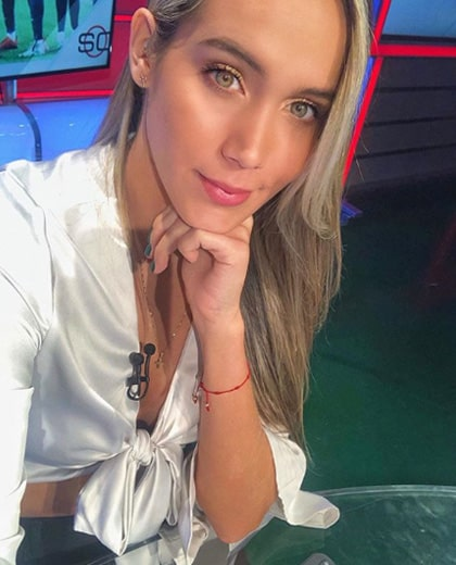 Lizzy Cardona (2)