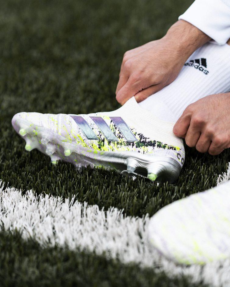 Arte y fútbol en los nuevos guayos de adidas UNIFORIA 2