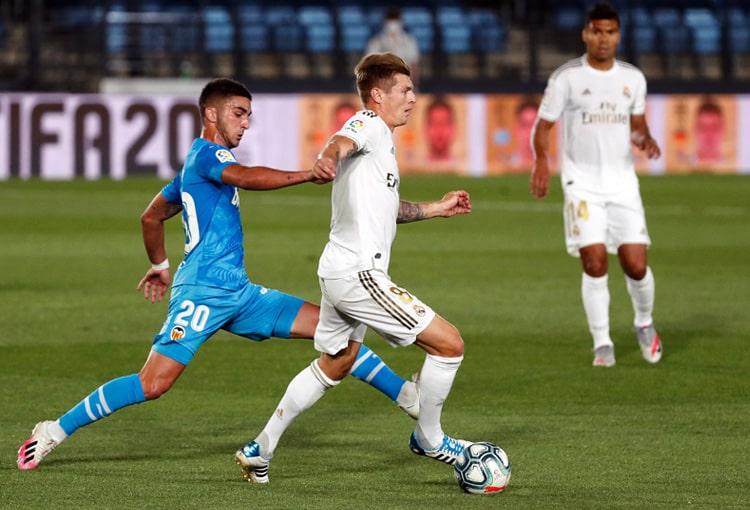 Real Madrid 3-0 Valencia, LaLiga de España 2019-20 (1)