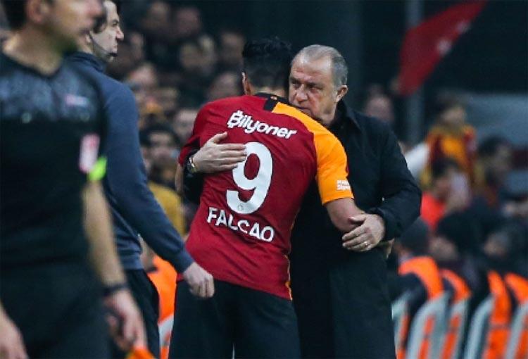 ¡Lo que dijo de Falcao García el DT de Galatasaray tras ganar el clásico!