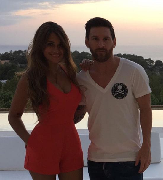 Antonela Roccuzzo, Lionel Messi (10)