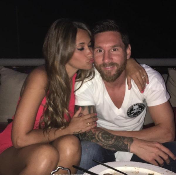 Antonela Roccuzzo, Lionel Messi (2)