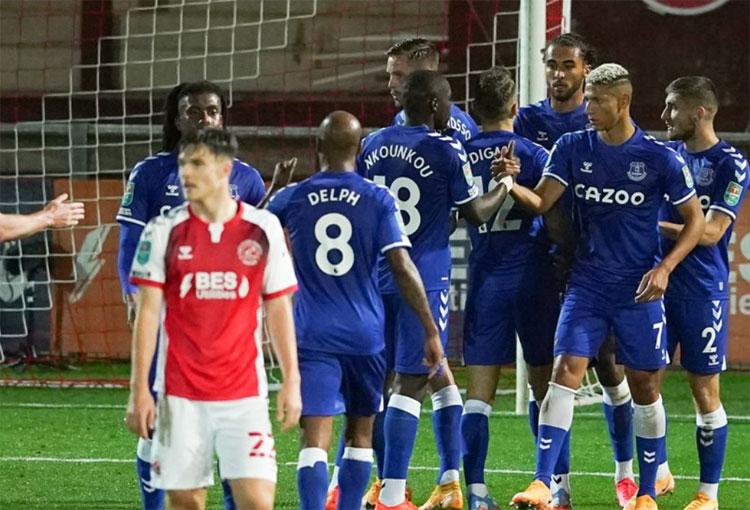 Everton, hoy sin James y Yerry, logró su cuarto triunfo consecutivo
