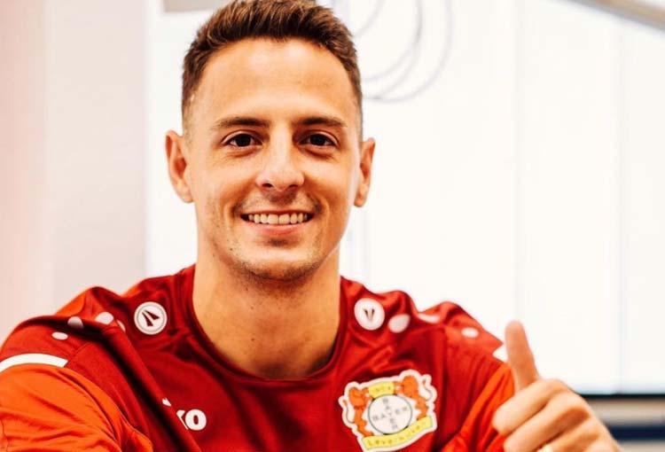 El 11 ideal al que llega Santiago Arias en Bayer Leverkusen