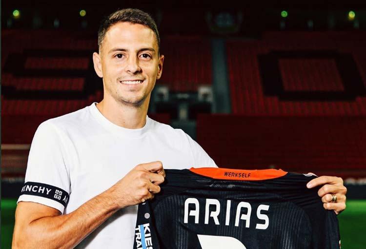 ¿Con quién competirá Santiago Arias por la titular en Bayer Leverkusen?