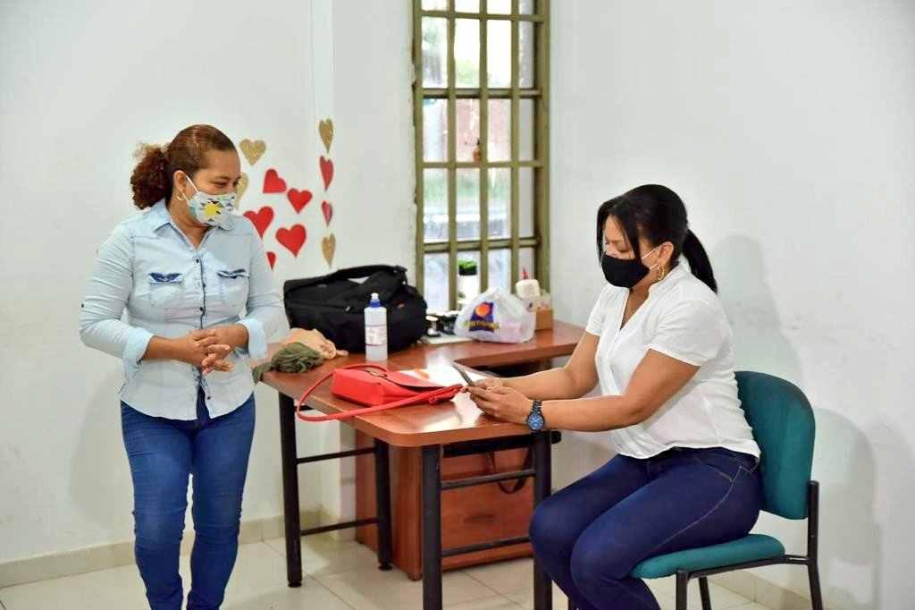 Madres cabeza de hogar, prioridad en el Ingreso Solidario
