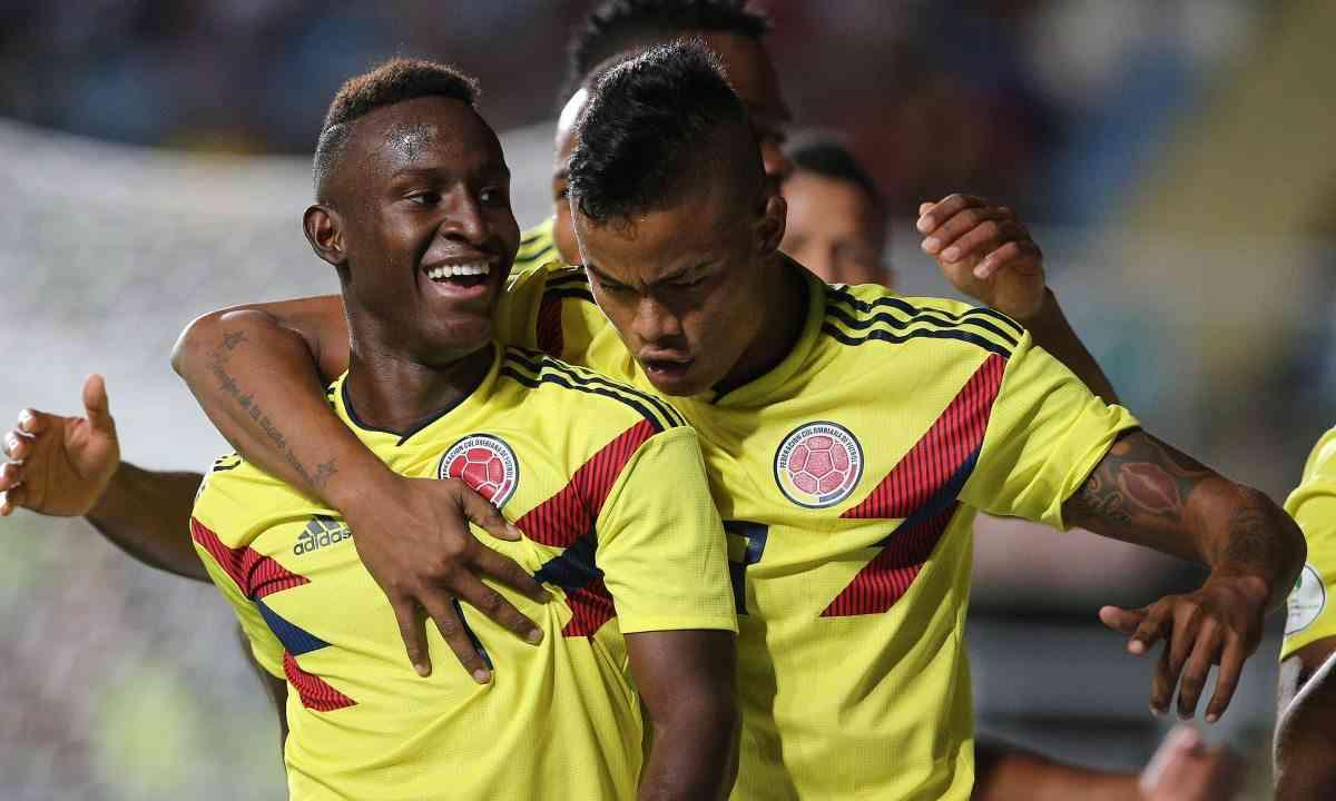 Otro cambio de club para el colombiano Iván Angulo