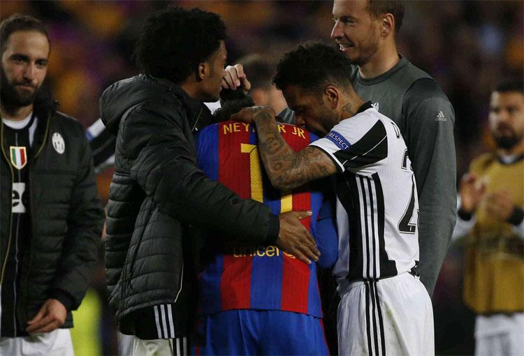 El día en que Cuadrado consoló a Neymar tras duelo entre Juventus y Barcelona