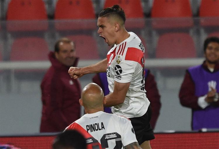 Rafael Santos Borré tranquilizó a la hinchada de River Plate