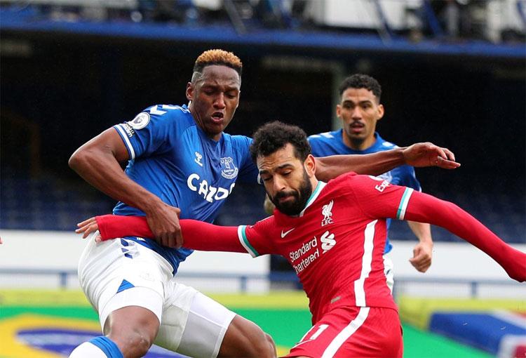 ¿Regaño de Carlo Ancelotti a Yerry Mina tras el derbi de Everton vs. Liverpool?