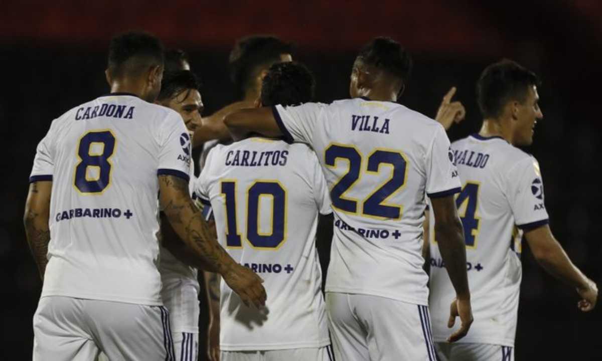 Con los 4 colombianos, Boca derrotó a Newells. Hubo asistencia de Cardona