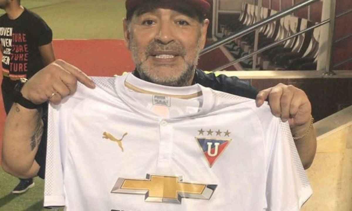 El magnífico homenaje en el fútbol de Ecuador a Maradona