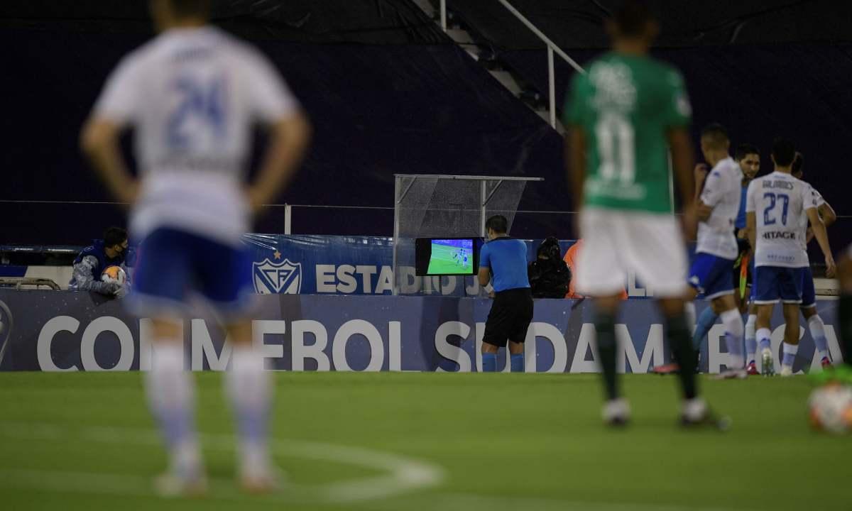 Lo que dice la prensa argentina del arbitraje del Vélez - Cali
