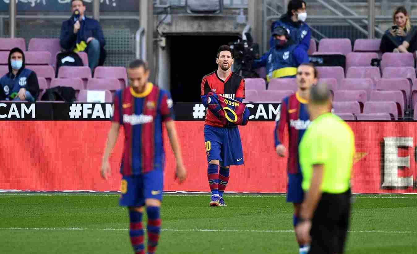 ¿Multa para el Barcelona por homenaje de Messi a Maradona?