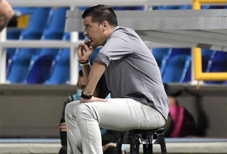 Juan Cruz Real, la expulsión de Ureña y su queja por el arbitraje ante Atlético Nacional