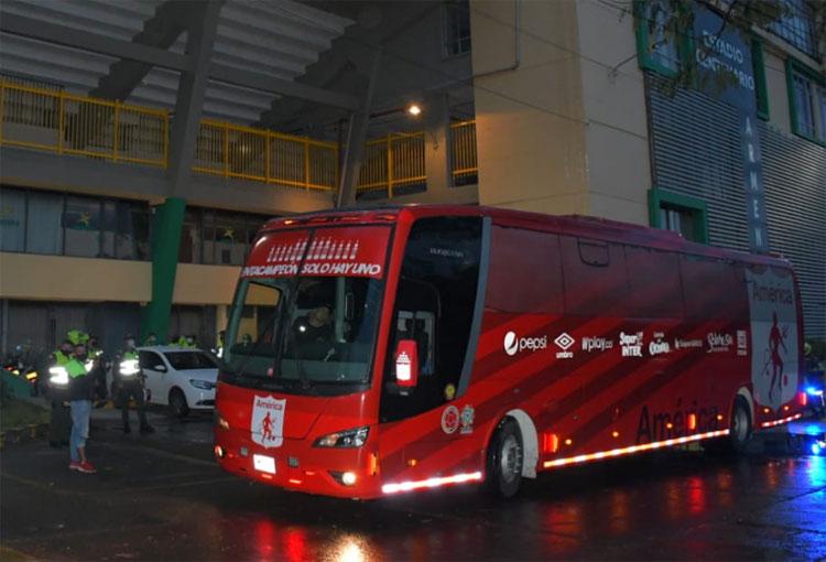 América de Cali se presentó en el estadio para el partido ante Cúcuta Deportivo