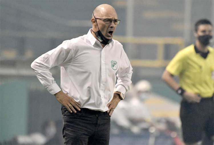 A Alfredo Arias no le preocupa la derrota de Deportivo Cali