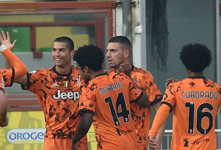 Cuadrado en el regreso goleador de Cristiano Ronaldo tras superar el COVID-19