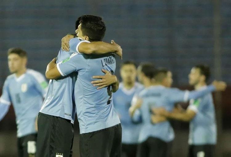 Uruguay ya reemplazó a sus bajas para visitar a Colombia