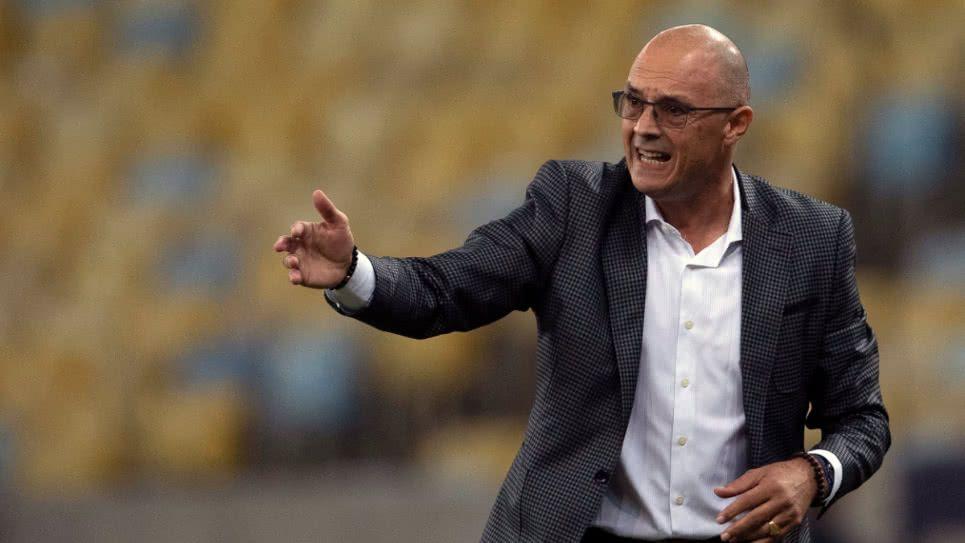 Alfredo Arias podría dejar al Deportivo Cali por las amenazas que recibió el equipo