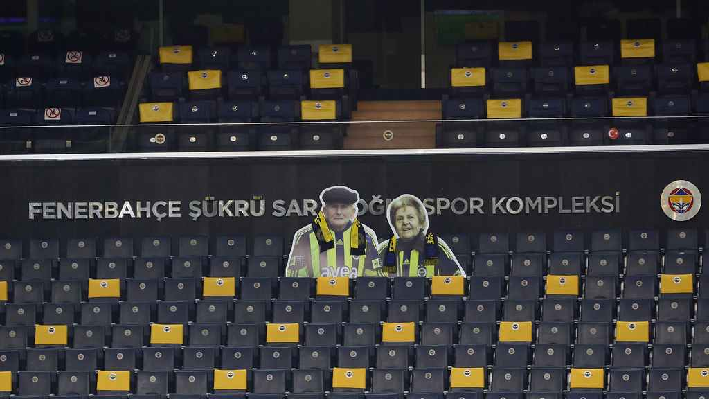 Conmovedor tributo de Fenerbahçe a un matrimonio muy futbolero