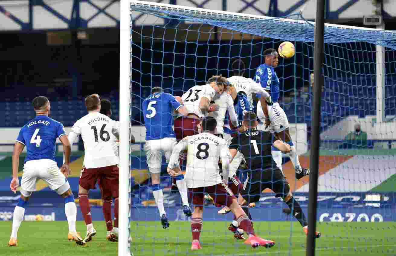 Espectacular gol de Yerry Mina contra Arsenal