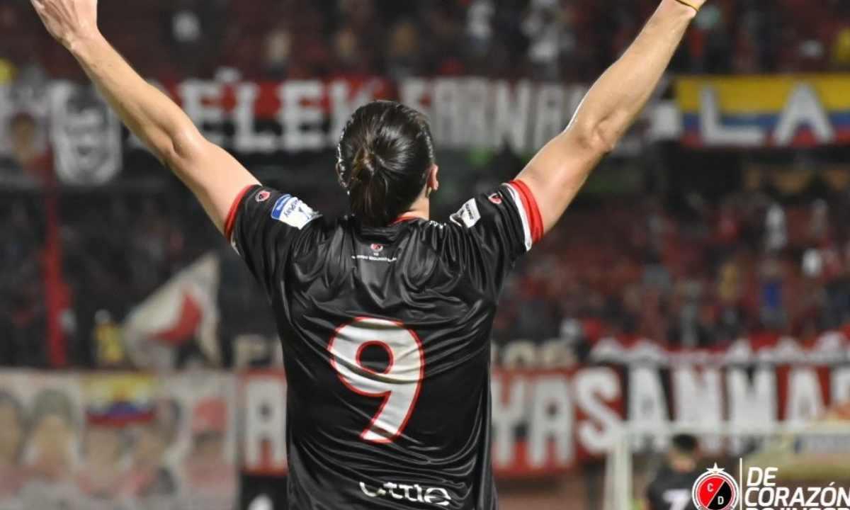 Octavo fichaje del DIM el goleador del 'Bolillo' Gómez
