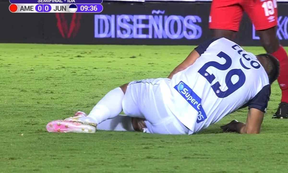 'Teo' Gutiérrez solamente duró 10 minutos en cancha