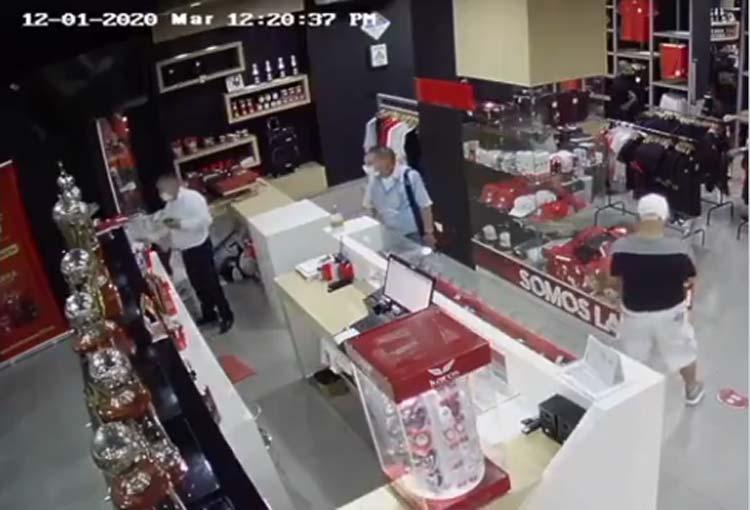 ¡El robo que hicieron en la tienda oficial de América de Cali!