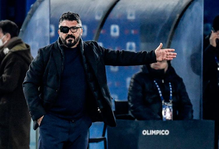 La delicada enfermedad del DT de David Ospina en Napoli