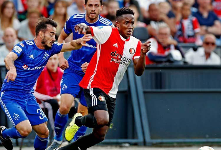 Luis Sinisterra volvió a una convocatoria con el Feyenoord