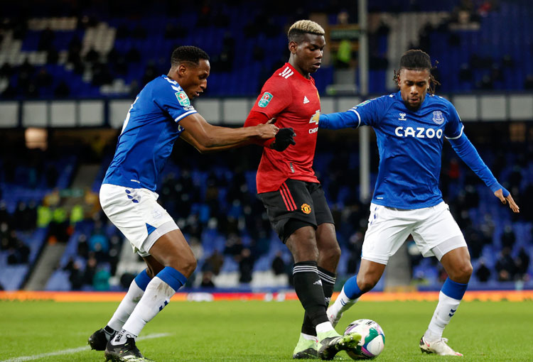En la Carabao Cup, Everton no pudo sin James Rodríguez