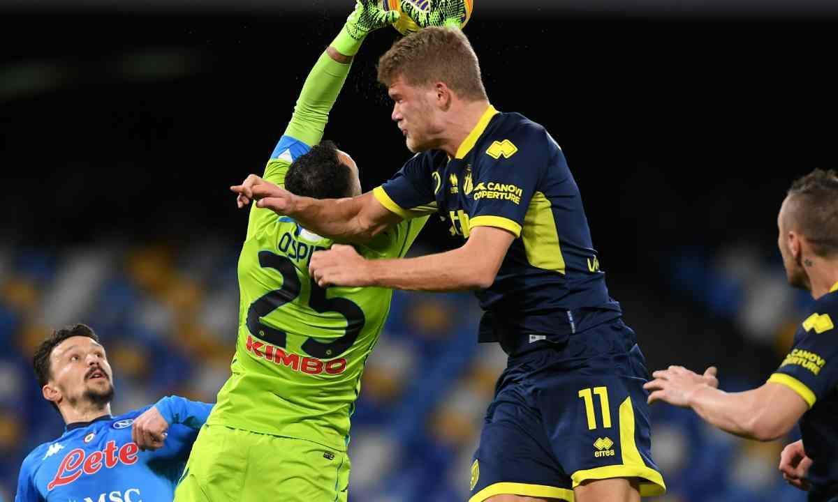 David Ospina sacó su arco en cero y Napoli sumó tres puntos