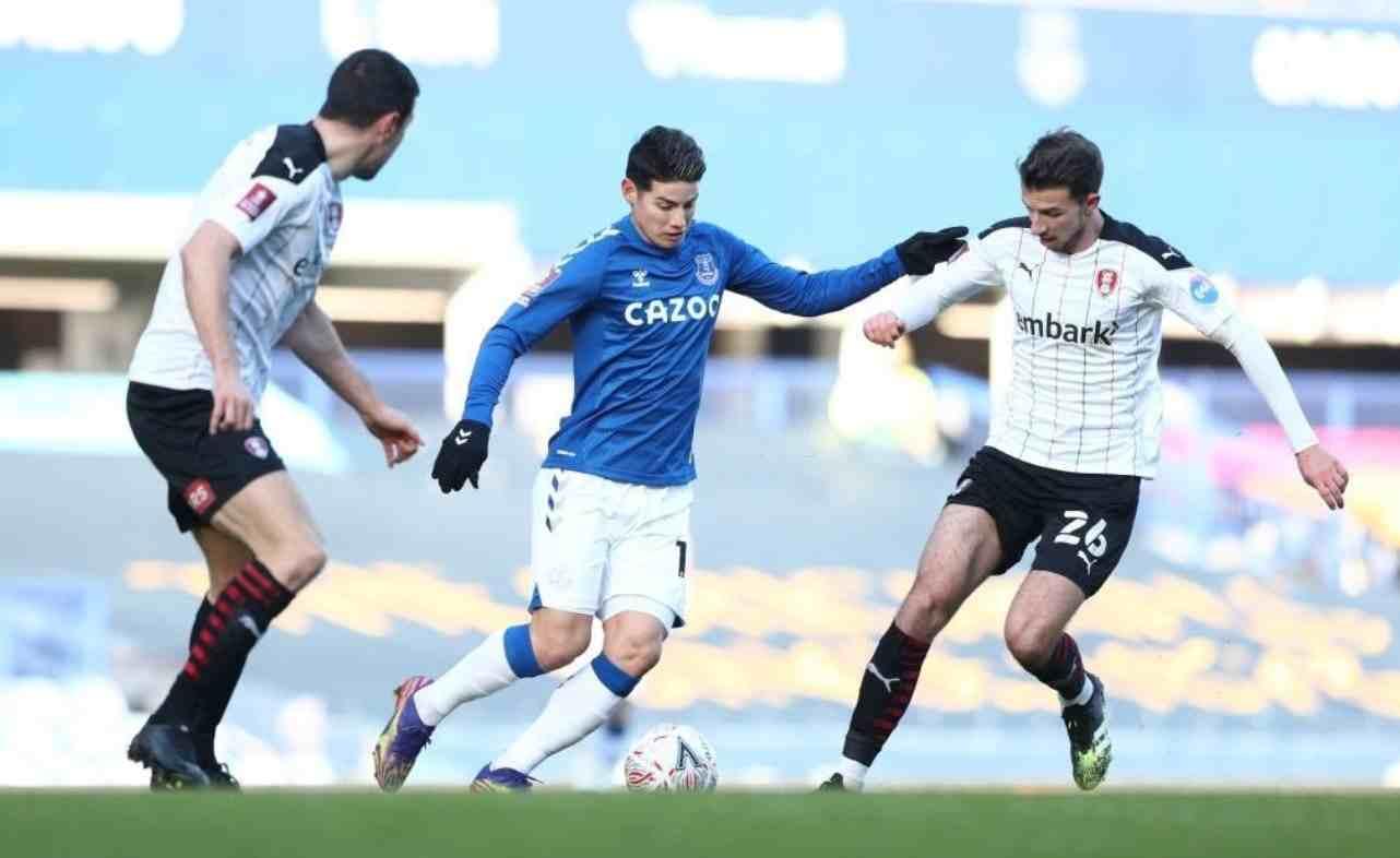 ¿Qué le pasó a James Rodríguez durante Everton vs. Rotherham?