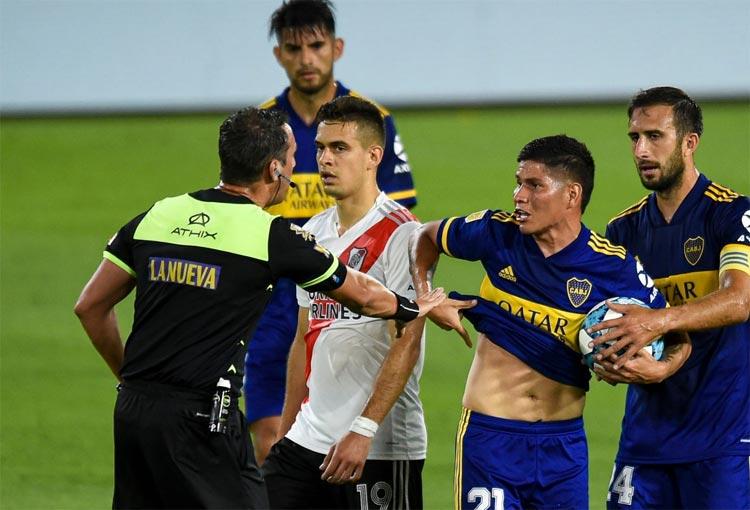 Expulsión de Campuzano y goles de Borré y Villa en el Boca vs River