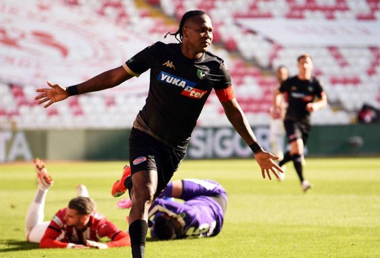 Primer gol colombiano del 2021: Hugo Rodallega en Turquía