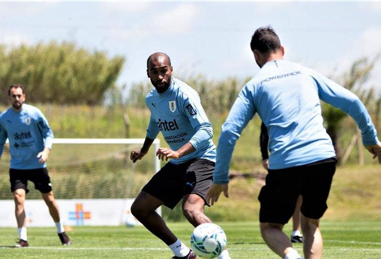 Juega en la Selección de Uruguay y sería refuerzo de Independiente Medellín