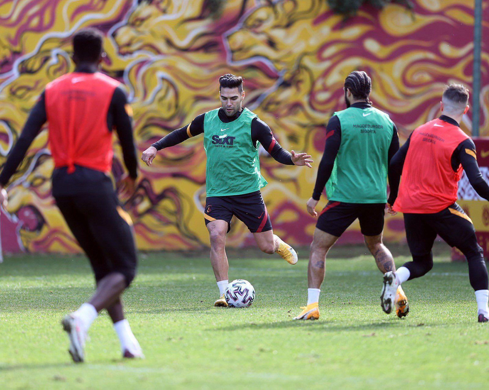 ¡Falcao está de regreso! Entrenó de nuevo con Galatasaray
