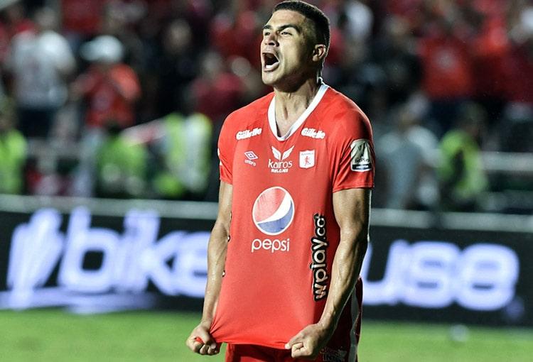 Es oficial: Carlos Sierra fue anunciado en su nuevo equipo