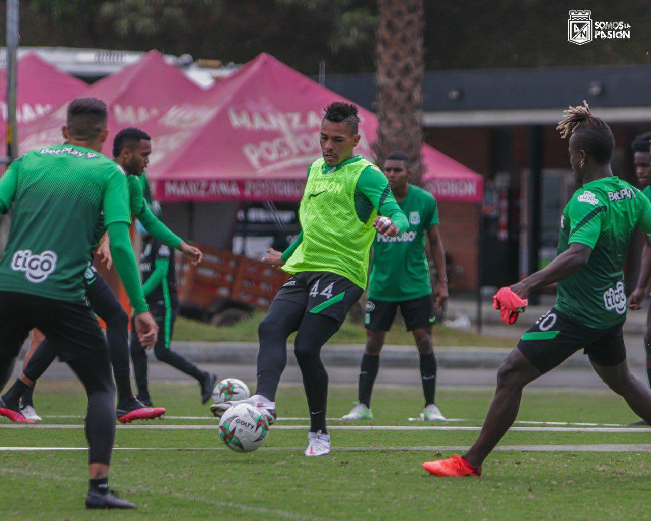 ¿A qué jugador de Nacional beneficiaría la rotación de Guimarães?