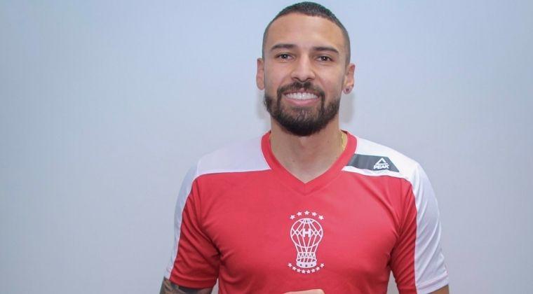 ¡Fin de la novela con Millonarios! José Moya fue presentado en su nuevo equipo