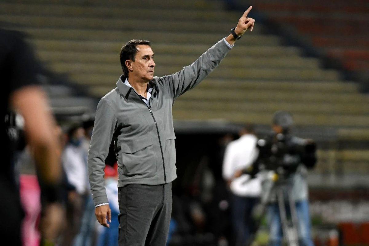 ¡Ni perdiendo! Guimarães insiste con la línea de 3 en Atlético Nacional